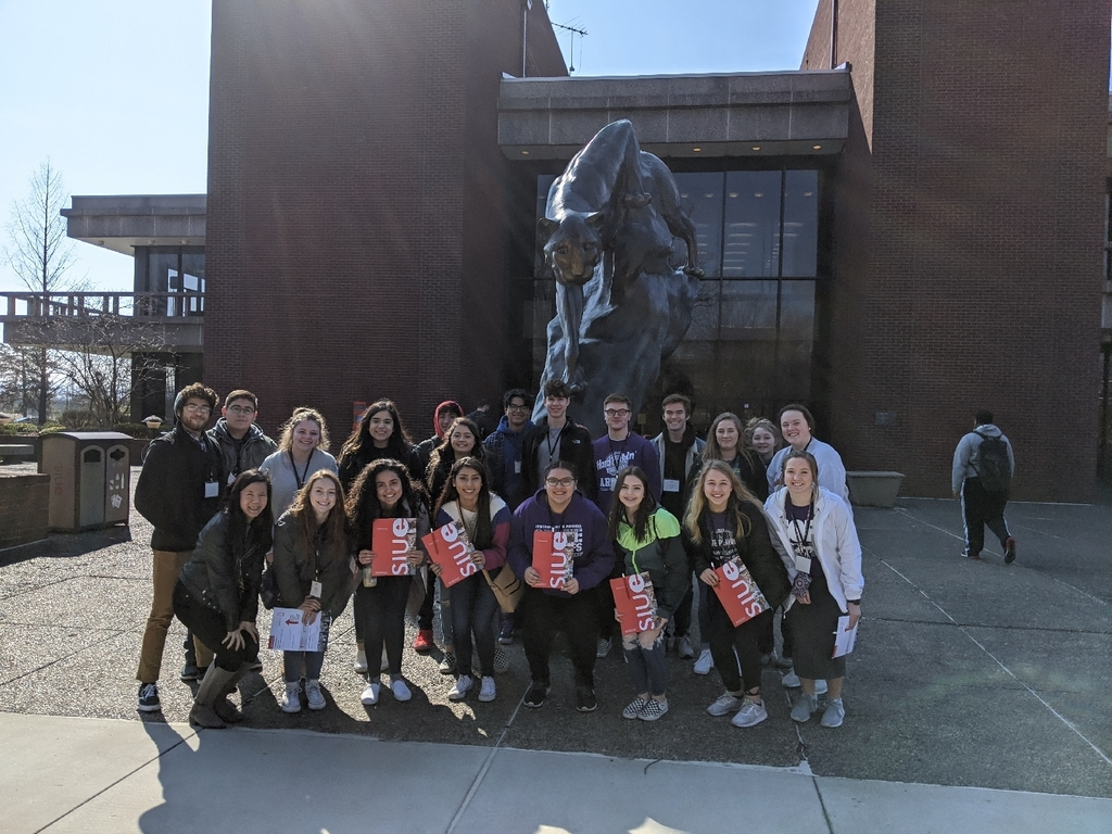 Juniors touring SIUE
